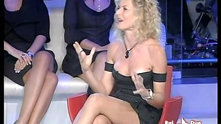 Blonde super star got her famous upskirt spied on TV show