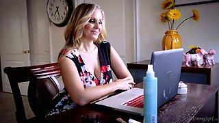 Talkative and lively MILF Julia Ann lures fresh neighbor to eat her twat