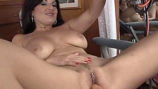 Lola Lynn uses fuck machine then sucks a fat cock