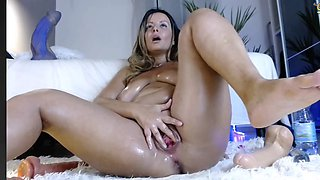 Babe multiple squirts and anal