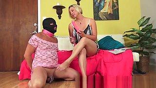 milf foot slave 3