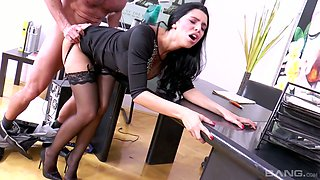 Bitchy secretary Kira Queen shows her skills to perverted boss