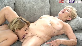 Les granny gets asshole licked and pussy licked by lesbian babe