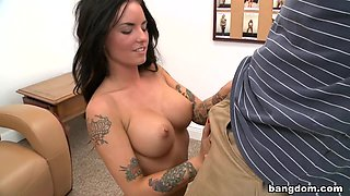 Pretty Rocker Chick Gets Facial