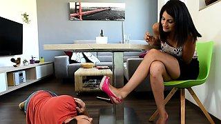Cute teen girl enjoys foot fetish