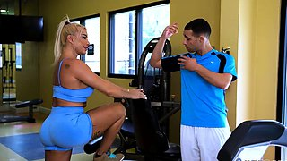 Hot Robbin Banx on her best workout ever