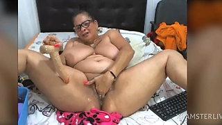 A beautiful mom and Grandma, masturbation time