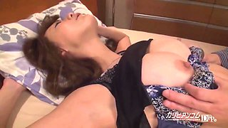 Akari Asagiri In My Room By Mistake The Wife Next Door Got Drunk And Came