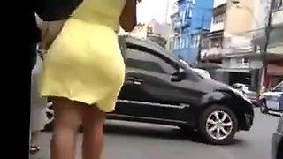Culazo de mulata en falda