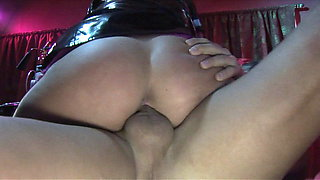 Horny babe in latex loves to give head with passion to dude