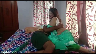 Indian sexy Nokrani fucked by young boss. Viral video with audio!!