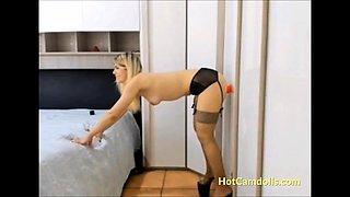 Spanish camslut screaming anal orgasm