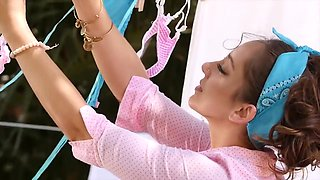 Remy Lacroix In Young Beautiful Getting Dicked Outdoors - Cumshot