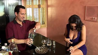 Mature pussy seducing bartender to give her cock