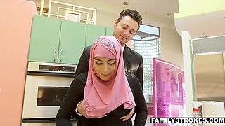Arab stepsister Ella Knox gets facial after sex with her kinky stepbrother