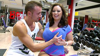 Huge Boobs Czech Slut Gives Head For Money