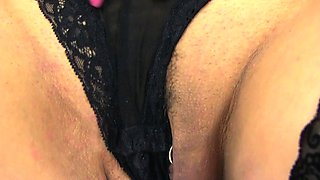 English milf Eva May dildos her shaven fanny