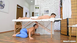 Sex on the massage table for a big ass masseuse on fire
