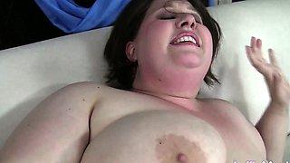 Cheerful plumper Khloe Kanyon masterbates until she orgasms