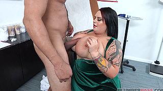 1080p SsBBW Brunette Seduces Her Doctor