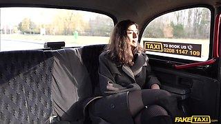 Hot ass amateur girl Aaeysha enjoys riding the taxi driver's cock