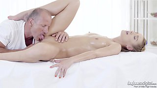 Oiling Alexis Crystal and putting his wiener in her mouth and cunt