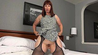 BBW milf Scarlett's hard nipples need attention