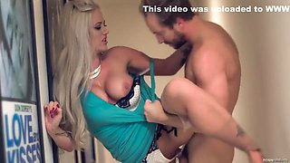 Brutal Coupulation With Glamour Babe - Holly Madison, Holly Heart And Holly Claus