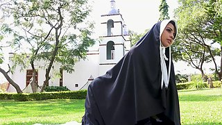 Nun undresses for cock in intimate outdoor fetish