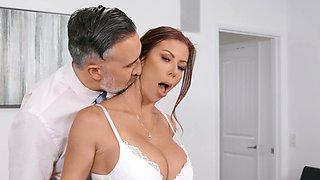 Hardcore fucking with choking makes glamorous wife Alexis Fawx cum
