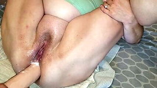 Bbw getting fingered, dildo and squirting