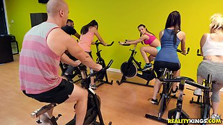 Cute Rachel Starr likes to ride a monster cock in the gym