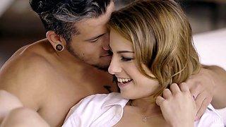 Slender babe with small tits Kristen Scott enjoys passionate morning sex