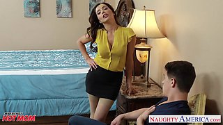 Mother of best friend Francesca Le turned out to be a complete whore
