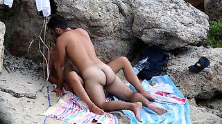 Lustful amateur couple enjoying hot sex action on the beach