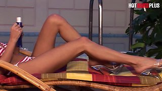 HOTBABESPLUS - Stunning Wife Loves Cum On Her Feet