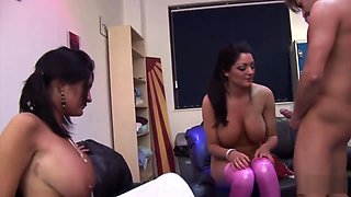 Lee twin sisters group fucking