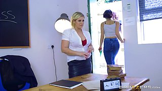 Dont Waste Your Time And Fuck Your Classmate Right Now, Jodri - Emma Leigh, Ashley Downs And Jordi El Nino Polla