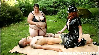Czech BBW domination outdoors