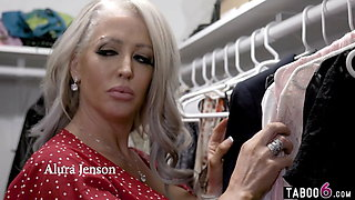 Huge boobs stepmom Alura Jenson wanted anal sex from stepson