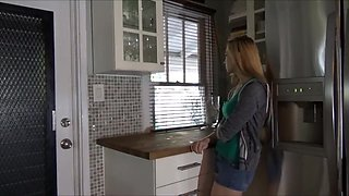 Little Step Sister Hides in the Attic - Lolo Punzel - Family Therapy