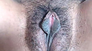 Hairy mature sexy cunt close-up, amateur
