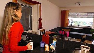 HausfrauFicken - German mature housewife in hardcore fuck
