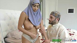 Burka-wearing hottie Violet Myers in hardcore porn