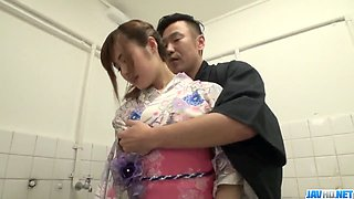 Yumi Maeda tries cock for a few spins in the shower