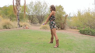 Fit girlfriend loves to masturbate in the open space. Outdoors video