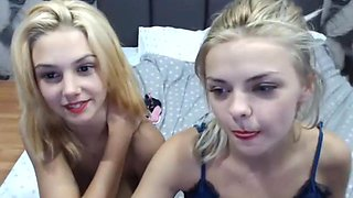 Sisters do webcam show