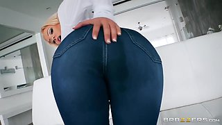 Big Bubble But Hottie In Tight Jeans Oiled Up And Assfucked Doggystyle - Luna Star