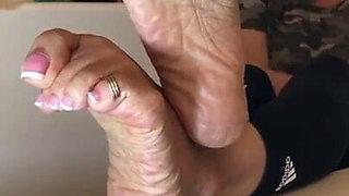 Deedee latin feet