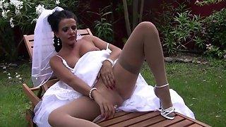 Eve - Playful Bride